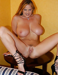 Kelly Madison End Table Titty