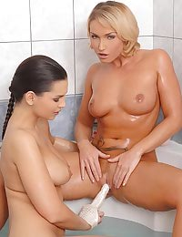 Eve Angel, Kathia in bathroom