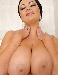 See big tits babe Marille