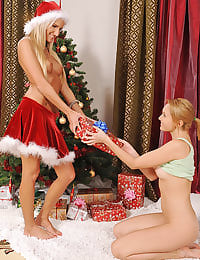 Heels and foot fingering XMAS!