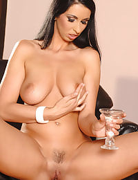 Lisa Sparkle oils her melons