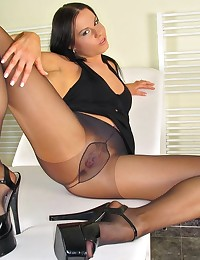 Alexia in High Heels and Pantyhose playing Speculum