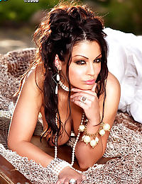 Glamour Nude Centerfold Aria Giovanni