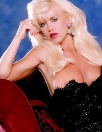 Glamour Nude Centerfold Amber Lynn