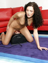 Andy - Sybian Girl