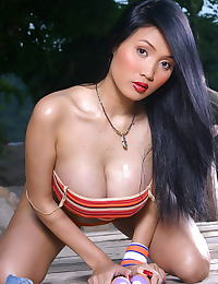 Asian annie chui 14 sporty areola pussy spread