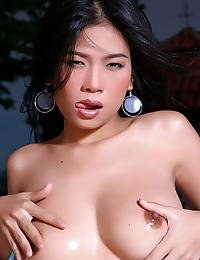 Asian wang shui wen 07 bikini underwater nips