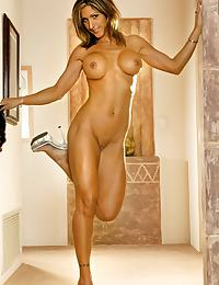 Bodybuilding Babe Naked on Floor