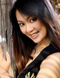 Bare Thai Amazing Female Emily Chan