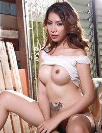Topless Chinese Amazing Hoe Aerin