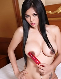 Disrobed Asiatic Hot Gal Susana