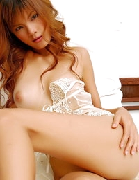 Bare Chinese Horny Jennifer Lim