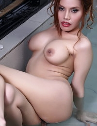 Raw Siamese Sizzling Girlfriend Janissa
