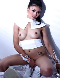 Japanese Sizzling Female Arada