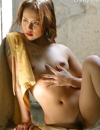 Naked Thai Beautiful Dame Cherry Chen