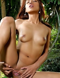 Exposed Japanese Sinful Hottie Farida Mala