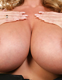 Kelly Madison erotic photo