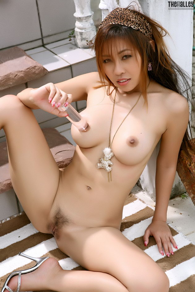 Asian minny fong 03 hard nipples smooth vagina | Nude Photo