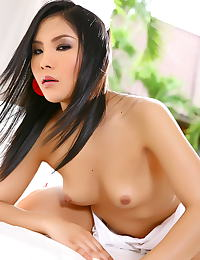 Nancy Yee erotic photo