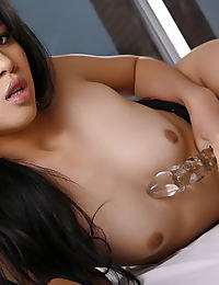 Diana Lee erotic photo
