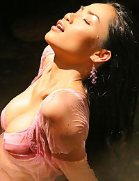 Jang E Ping erotic photo