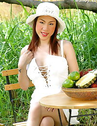 Mandy Yun erotic photo