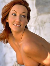Lauren Hays erotic photo