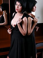 Wanda Tai erotic photo